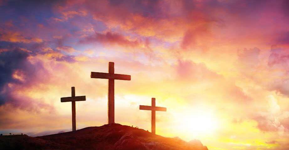 Góra Golgota z krzyżami